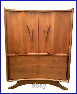 Mid Century Modern MCM Highboy Dresser Triangle Door Handle 5 Drawer Vintage